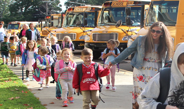 Students arriving to school