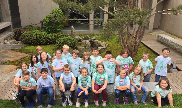 Third grade class at museum