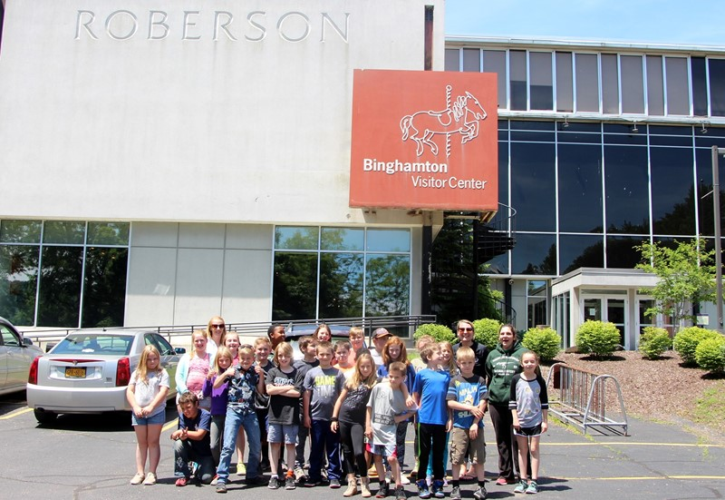 Fourth grade class outside of Roberson Museum