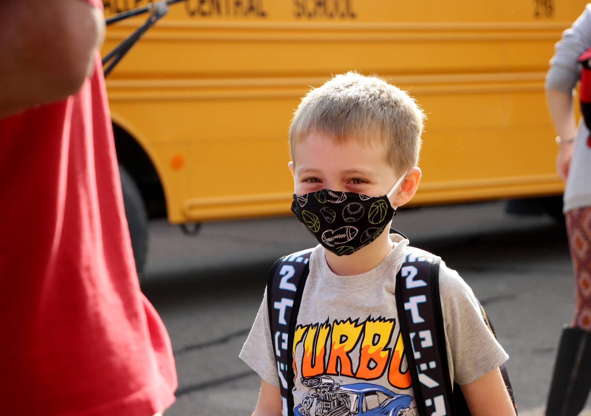 boy in facemask